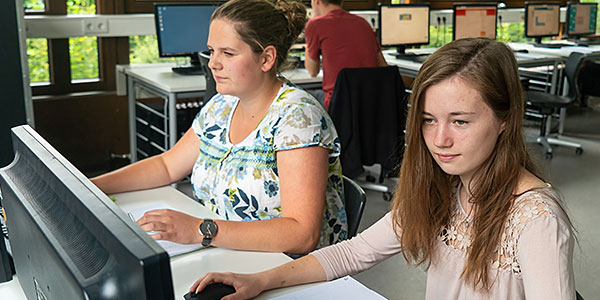 Schüler im Computer-Unterricht