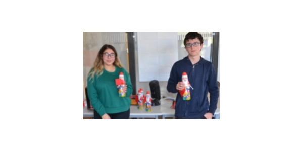 Schülersprecher mit Nikolaus